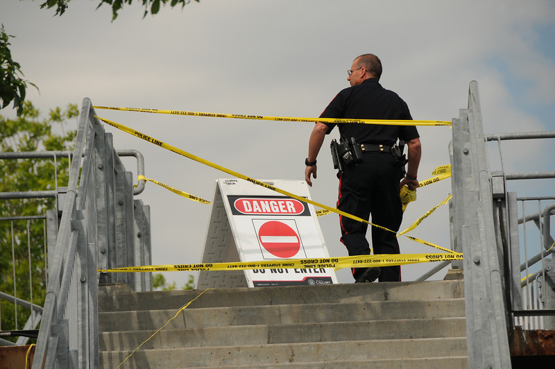 All pedestrian walkways over the river are closed.
