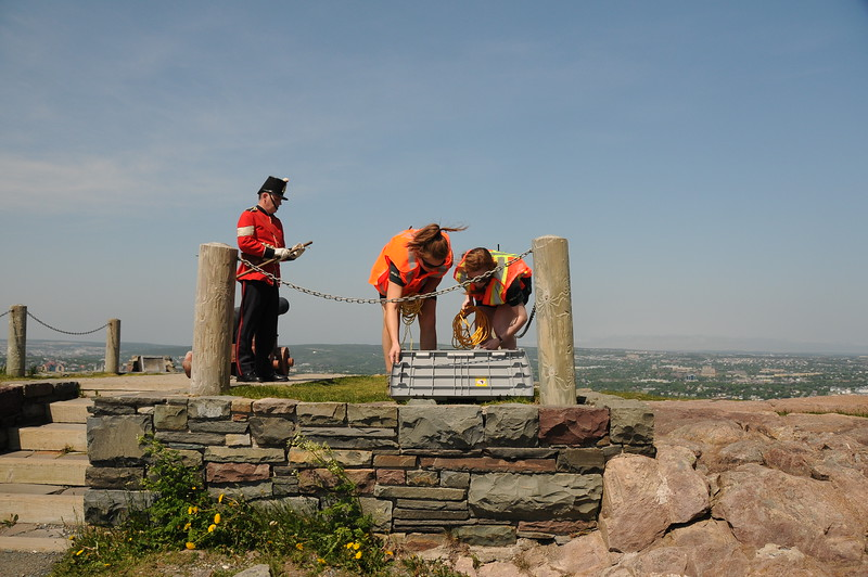 We arrived at the top of Signal Hill in plenty of time for the ceremonial cannon firing set to go BOOM at noon.