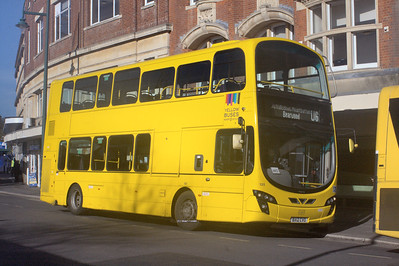 125, BX12CVO, Yellow Buses, Bournemouth Square