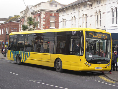 7, R7TYB, Yellow Buses, Christchurch High Street.