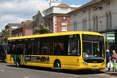 16, R16TYB, Yellow Buses, Christchurch High Street.