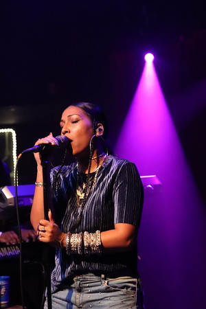 R&B singer, Melanie Fiona live at the Ardmore Music Hall