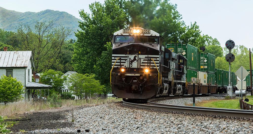 NS train 201 Lithia,VA