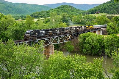 NS train O47 Natural Bridge Station,VA