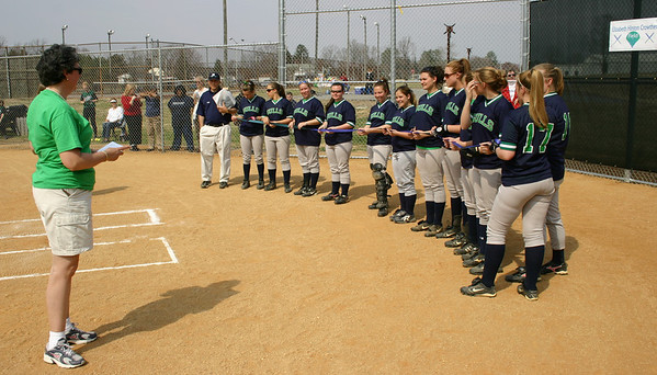 Dr. Crowther addressing the 2007 Gulls softball team.