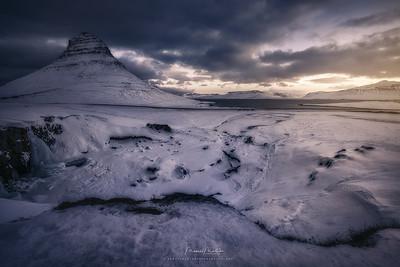 Snow Wandering Isle
