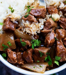 Healthy Slow Cooker Beef and Rice