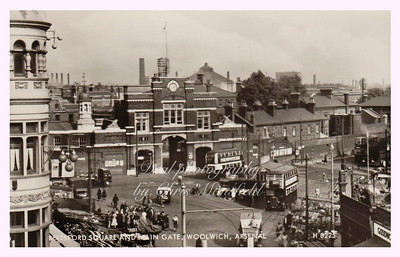 Late 1940s. Beresford square