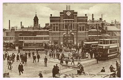 Early 1900s.  Beresford square