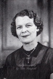 Mayor Nellie Cooper 1952 - 1953