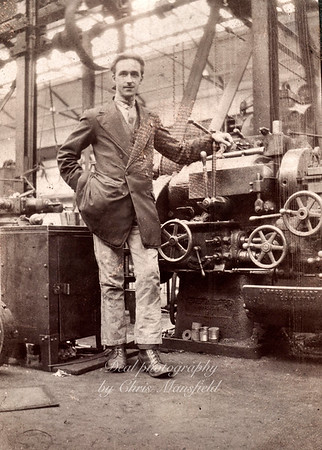 1920s Arsenal machine operator