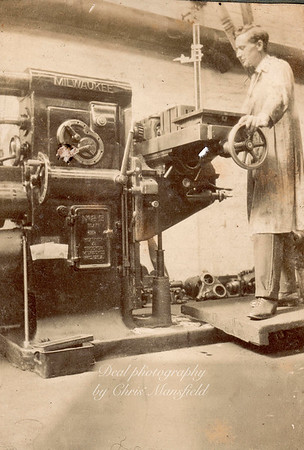 Royal Arsenal machine operator . approx' 1920s