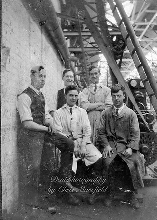 On the right hand side of this group is Stanley Thomas Howey born August 1901. After leaving Ancona road school in 1915 he went on to become a  Milling machine operator. Following in his father Thomas's footsteps, who also worked in the Royal arsenal