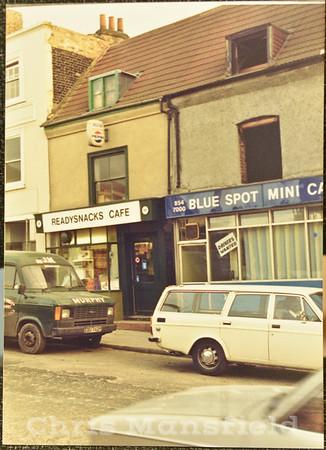 1995 .  111-112 Woolwich high street