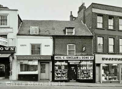1971 ..   111-112 Woolwich High street