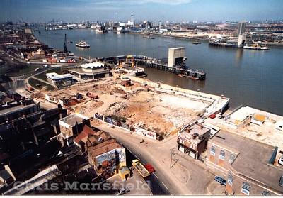 1986.... Waterfront leisure centre construction