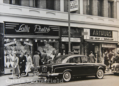 roughly 1960 ..  Woolwich new road
