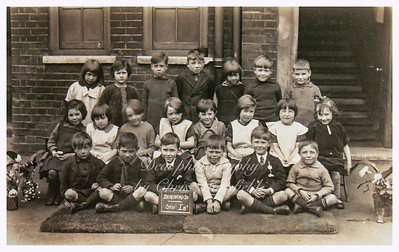 Late 40s - early 50s school group