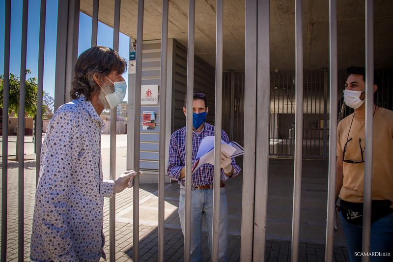 Reparto de alimentos en Fundación don Bosco: Reparto de alimentos en Fundación don Bosco: Equipo Humano de la Fundación Alalá y de la Fundación Don Bosco se encargan de la logística de la recogida y distribución de los menús.