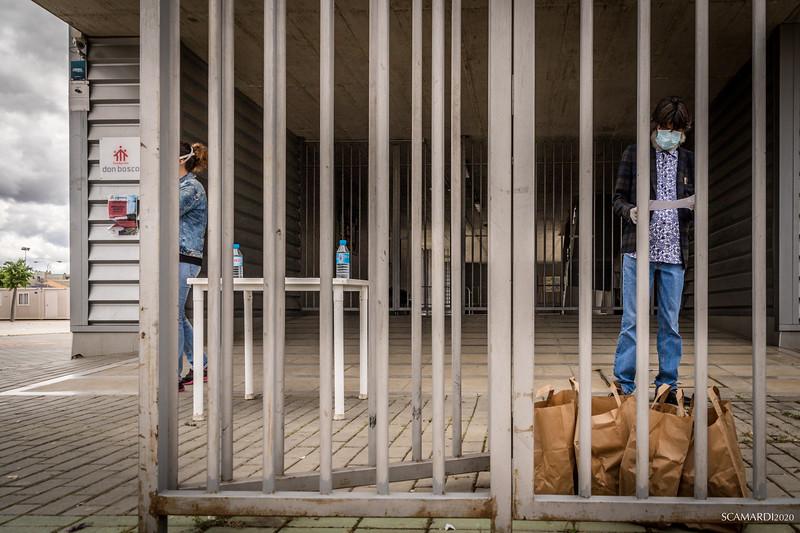 Reparto de alimentos en la Fundación don Bosco: 11.30 a.m Abertura de puertas para la entrega de bolsas a las familias inscritas en las listas de Caritas, fundación Alalá y Fundación Don bosco.
