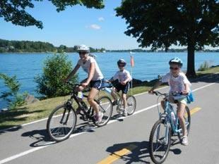 Bikers along the Niagara River