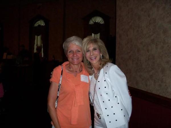 Barb Sheehan Sweitzer '71 and Carrie Kahn Weinstein '71