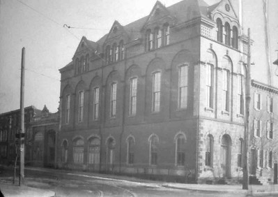 The completed 3rd floor, photo taken in 1898. The addition was done completely by the company members.