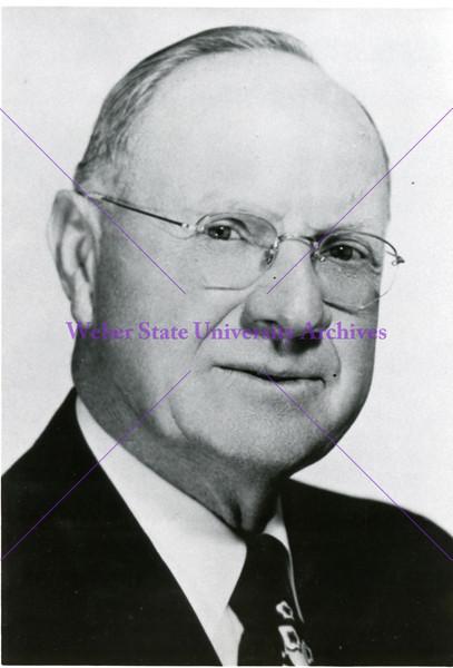 1937-1953 H Aldous Dixon (2nd term)  (portrait A)