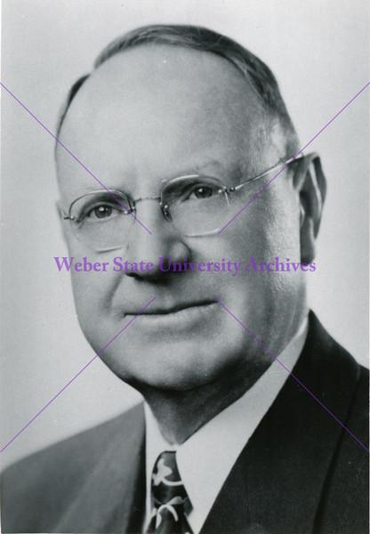 1937-1953 H Aldous Dixon (2nd term) (portrait B)
