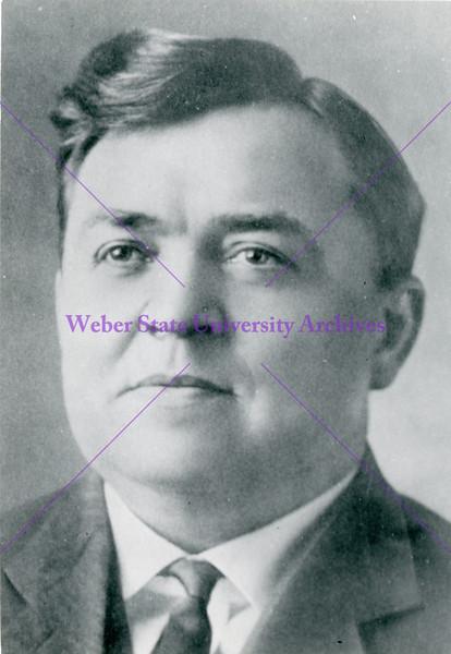 1908-1910 Wilford M McKendrick