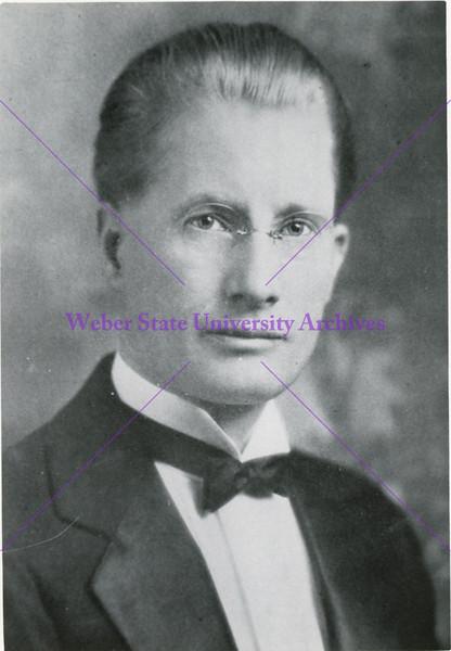 1922-1935 Aaron W Tracy