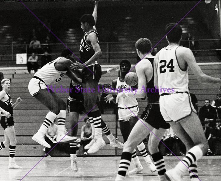 Freshman basketball 1967-68