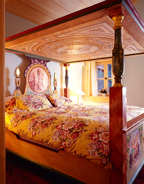 King Ludwig Bed 2