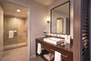 DT_HollywoodBeach_Bath_King_QueenQueen_Standard_Executive