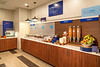 seatw-holiday-inn-express-and-suites-seattle-south-breakfast-buffet-1