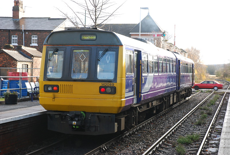 142 089 <br /> <br /> Sits in the platform at Nunthorpe on 10.28 Middlesbrough - Whitby
