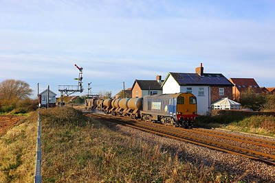 20302+20312 on the 3S14 1131 Sheffield to Hull at Welton, Brough on the 25th November 2017