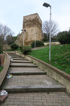 8/ Castello Salvaterra