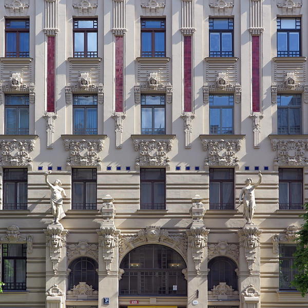 Riga, Art nouveau, facade with symmetric decorative objects