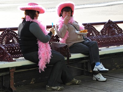Pink Hat And Feather Boas!