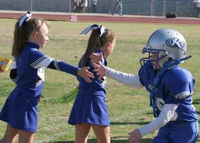 RJT Mighty Mite cheer Homecoming Game