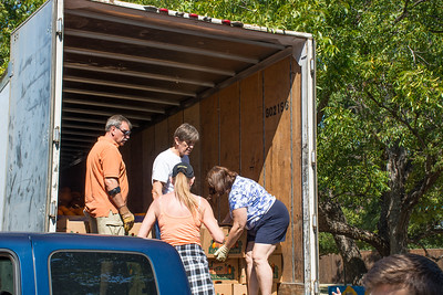 Pumpkin Patch Unloading 2014 (19 of 245)