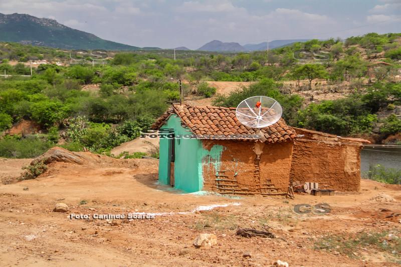 Casa de taipa em sítio