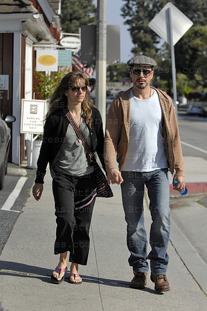 non exclusive. Venice,California, April 04,2009. Robert Downey Jr. celebrates his birthday with his wife Susan and his parent Robert Downey Sr. wife Rosemary Rogers in a restaurant on Abbot Kinney, Venice California. (Photo by Michel Boutefeu)