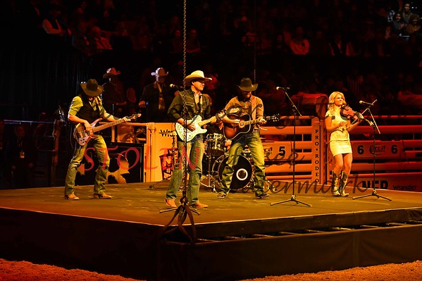 NFR2016-3-014 opening chanceyWILLIAMS YoungerBrothersBand