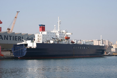 M/S CLAUDIA M at works in Napoli.