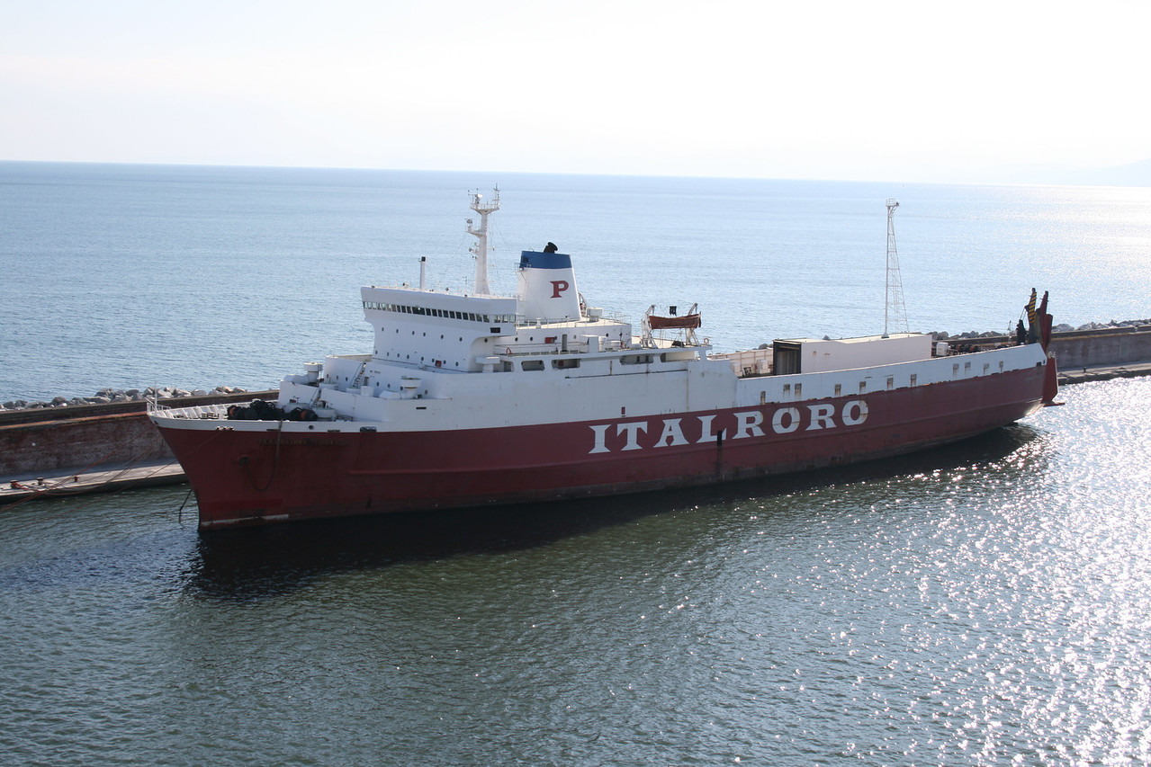 2010 - M/S ITALRORO THREE laid up in Genova.