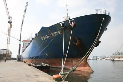 2009 - M/S SETUBAL EXPRESS in Napoli at works.