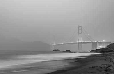 GoldenGate Bridge B&W Fog
