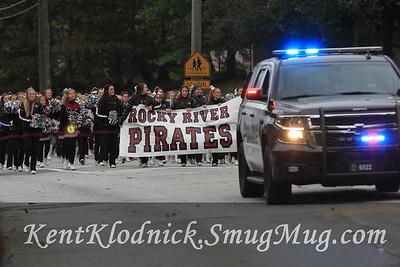 2015-10-02 RRFB vs VF 005 Parade Cheer